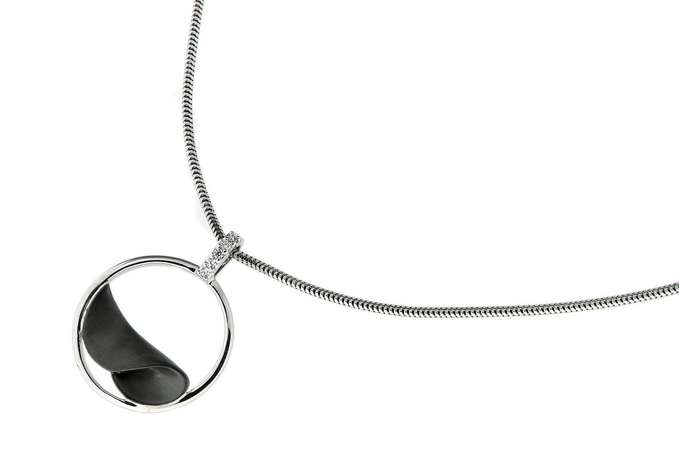 45cm Kette mit Anhänger Black Wave von Yo Design in Silber 925 rhodiniert mit Zirkonia